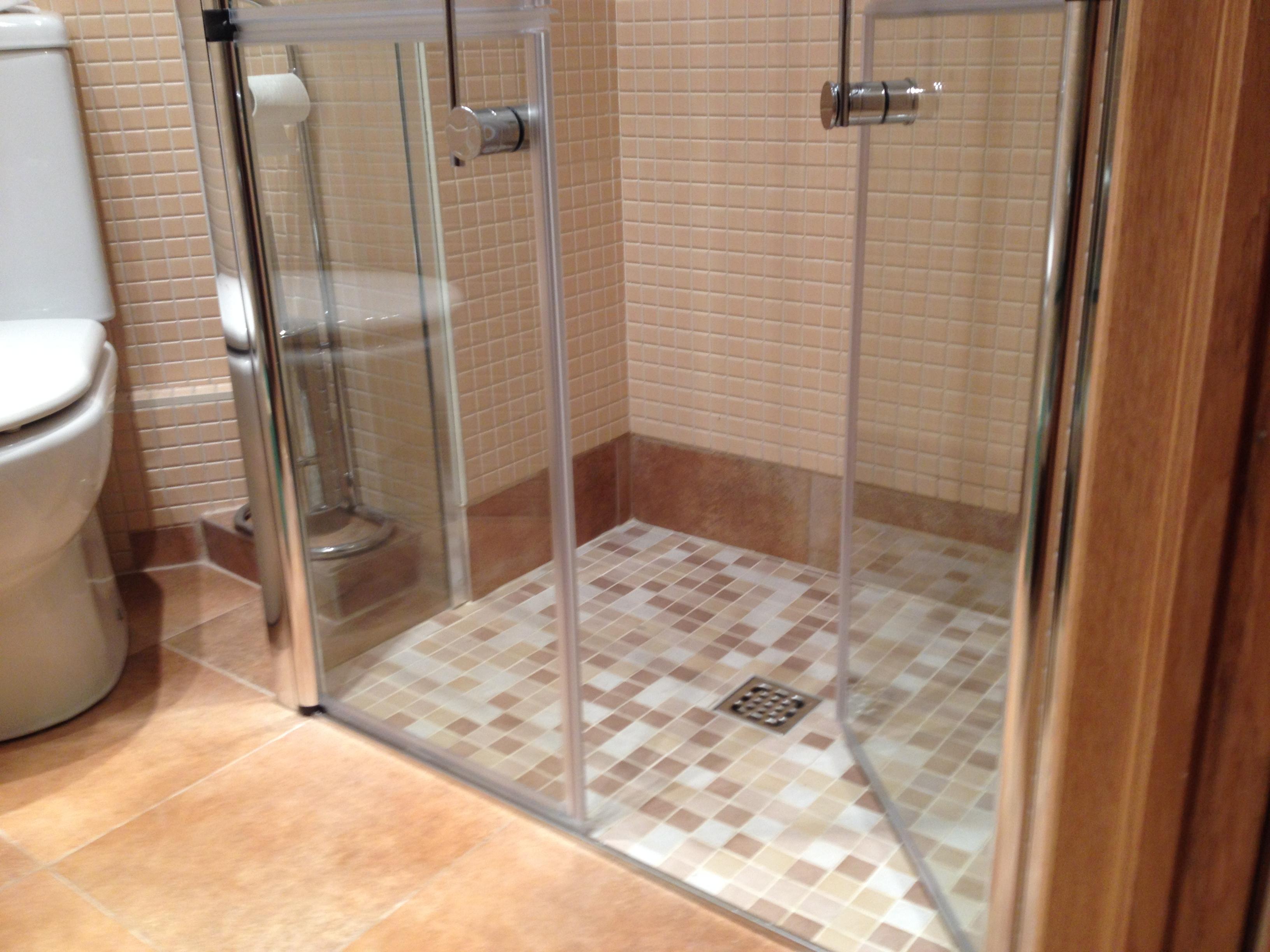 Danena instalaciones s l cambio plato de ducha - Plato ducha con mampara ...